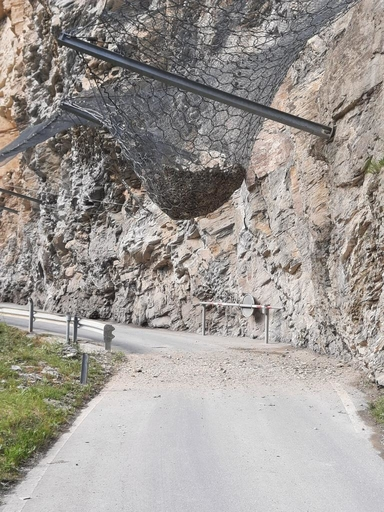 volles Steinschlagschutznetz